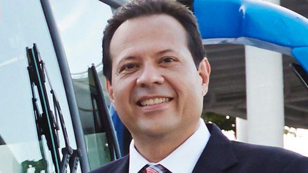 """""""Que vaya y haga protestas en Puerto Rico"""": así le respondió El Cantante del Gol a Residente"""