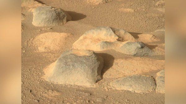 Paisaje rocoso en Marte protagoniza la imagen de la semana de la NASA